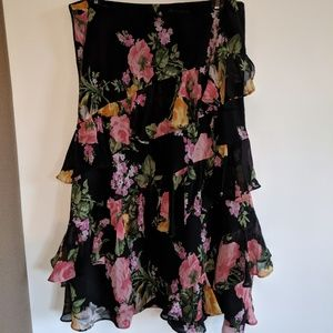 Chaps floral ruffled skirt size medium